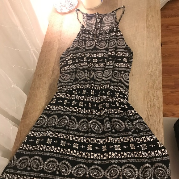 Aeropostale Dresses & Skirts - Black & White halter top dress